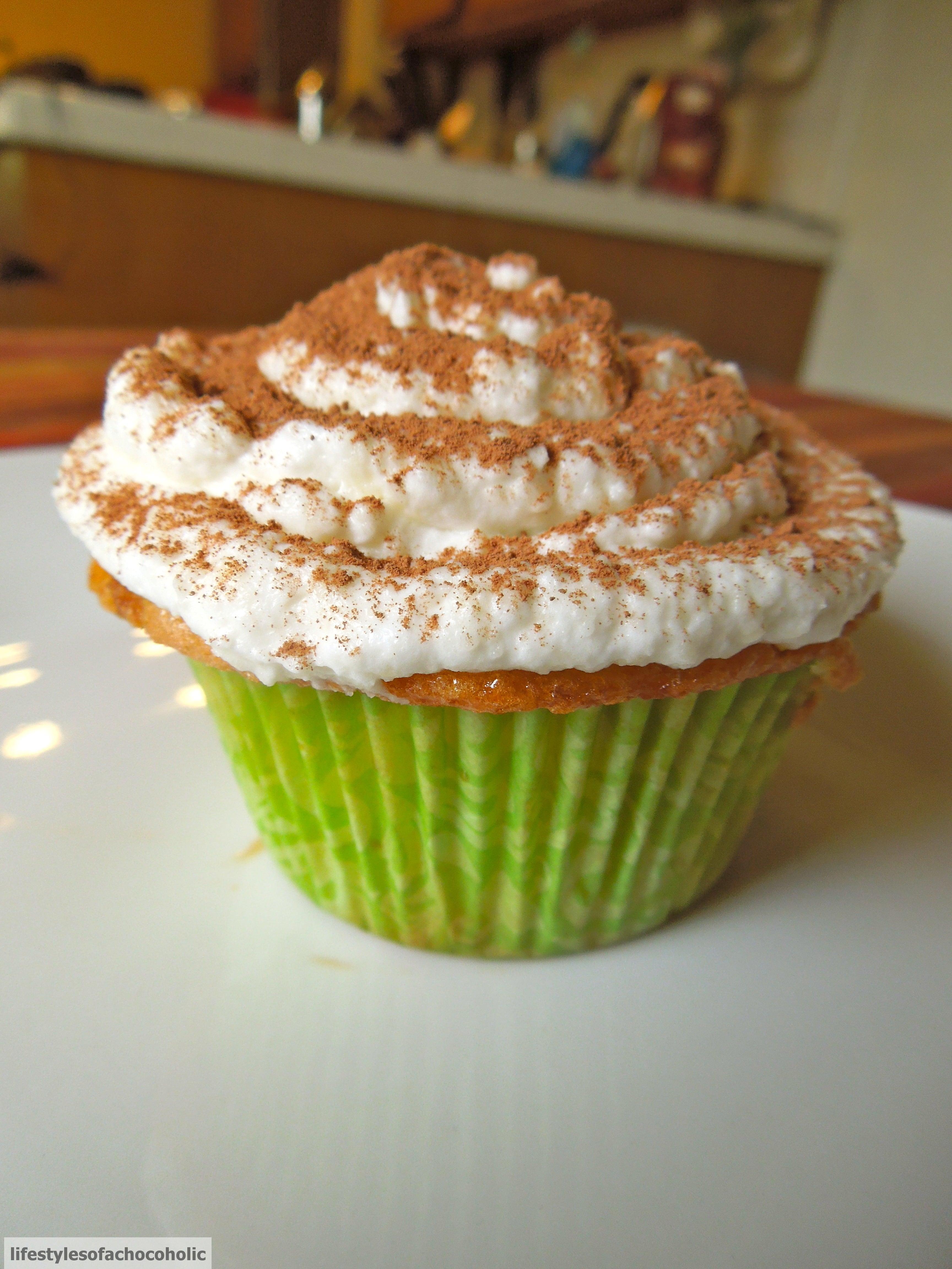 Tiramisu Cupcakes www.confessionsofabakingqueen.com