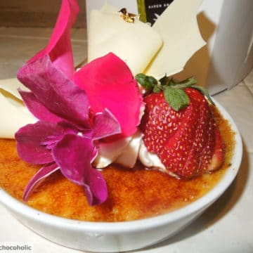 close up of creme brulee from extraordinary desserts in san diego, ca