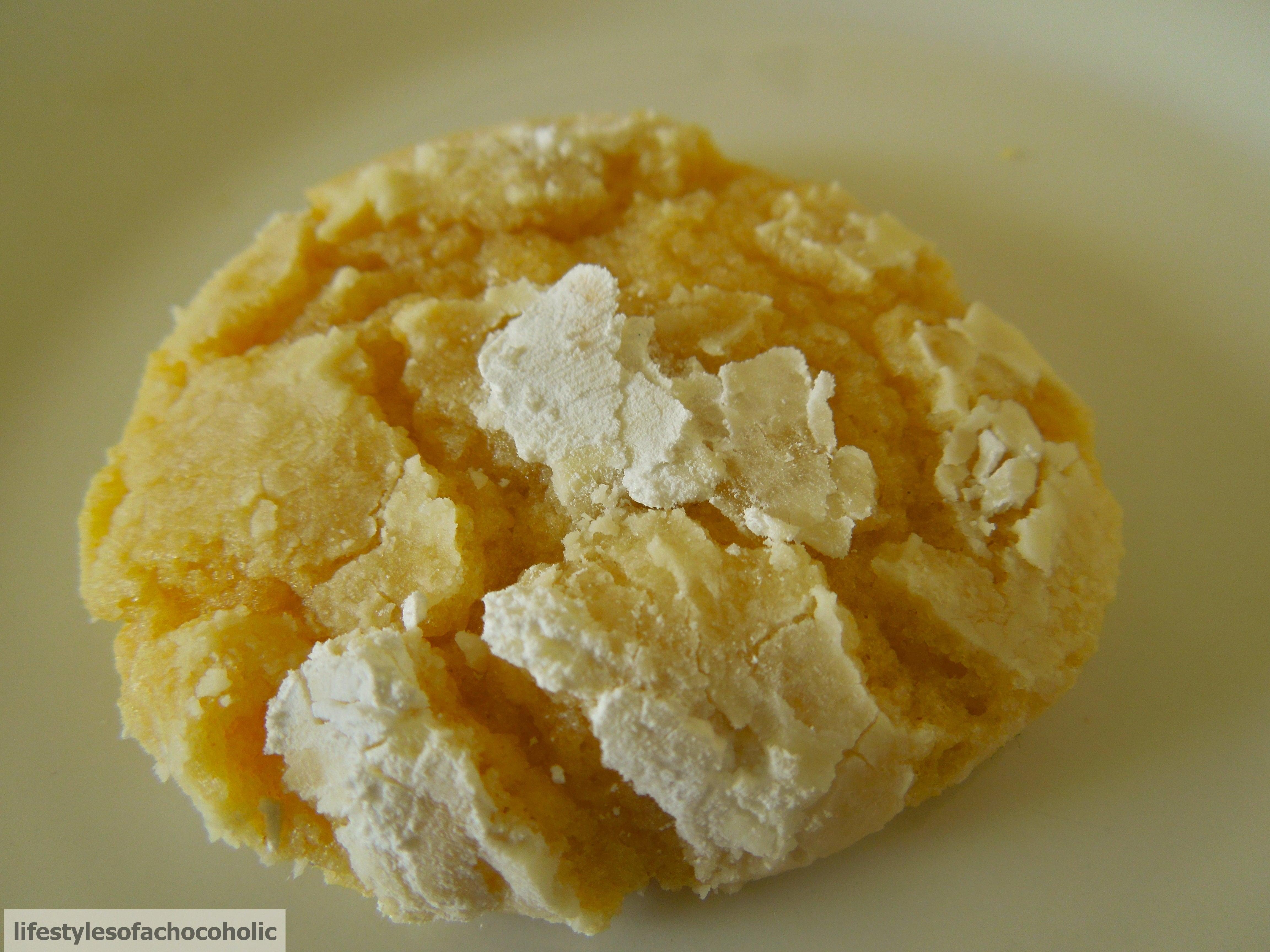 Lemon Crinkle Cookies www.confessionsofabakingqueen.com