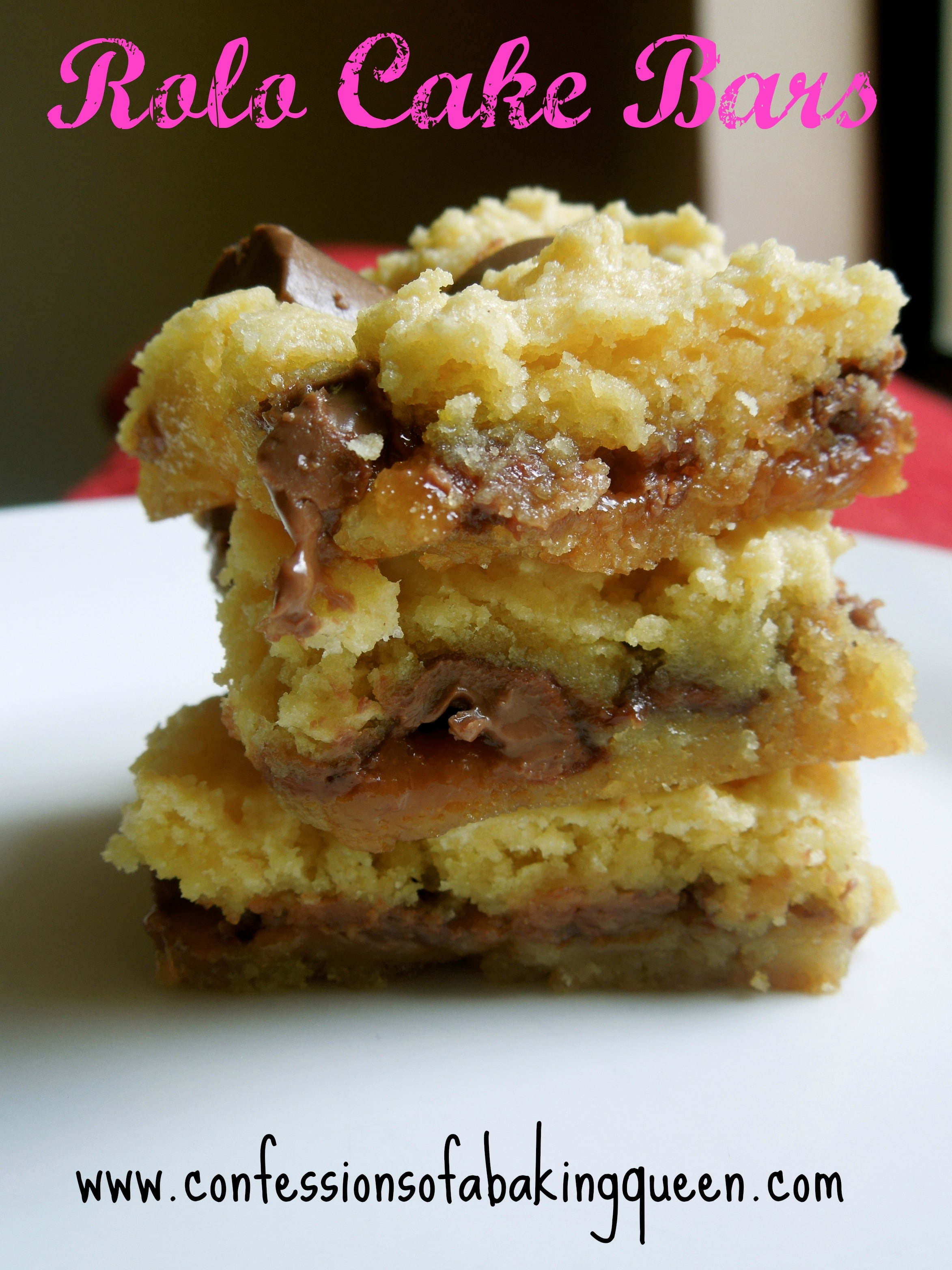 Rolo Cake Bars www.confessionsofabakingqueen.com