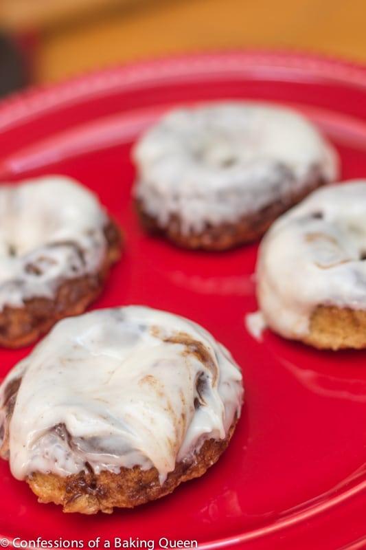 Apple Cinnamon Roll Doughnuts www.confessionsofabakingqueen.com