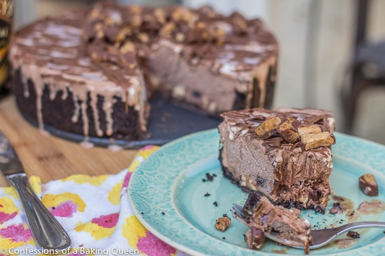Bailey's Double Chocolate Ice Cream Cake www.confessionsofabakingqueen.com