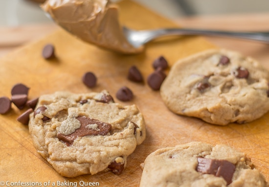 Peanut Butter Chocolate Chunk Cookies www.confessionsofabakingqueen.com