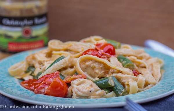 Lemon Garlic Cream Pasta www.confessionsofabakingqueen.com