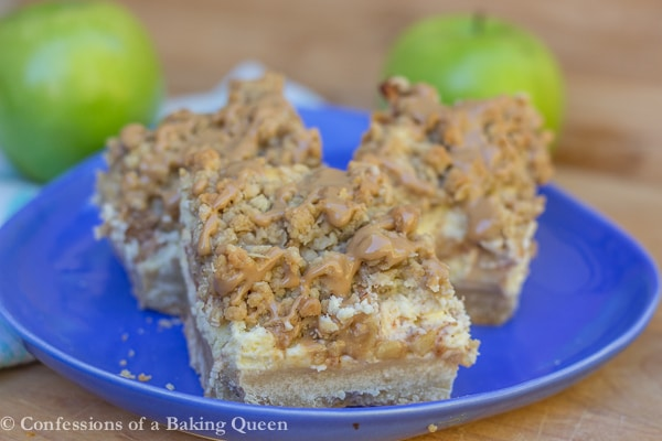 Maple Apple Cheesecake Bars www.confessionsofabakingqueen.com