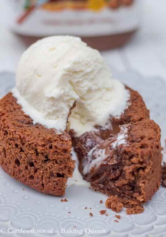Nutella Lava Cake www.confessionsofabakingqueen.com