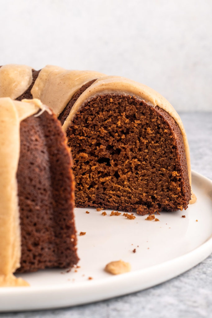 inside of gingerbread bundt cake recipe in a white plate